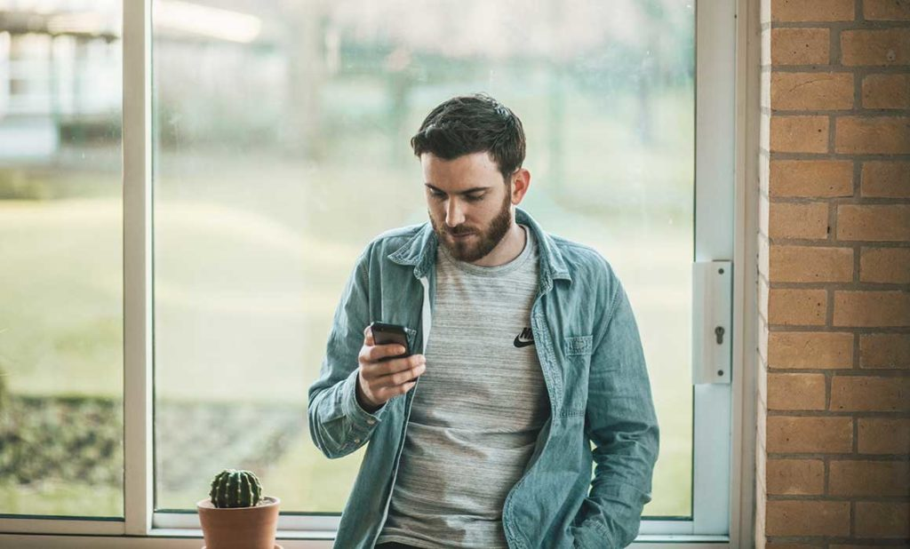 6 Positive Features of Chatbots in Contact Centers